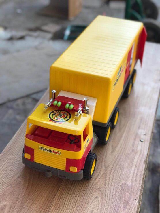 Прочная игрушка Камаз