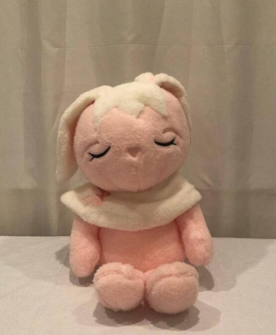 Милая розовая кукла